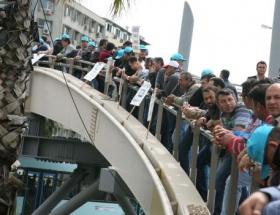 BMC işçileri köprüye çıktı