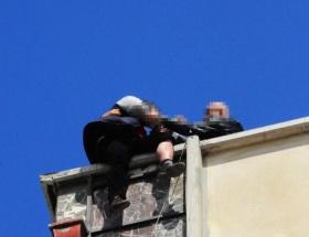İzmirde intihar girişimi rezaleti!
