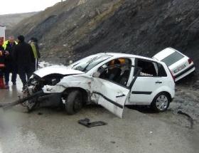Elbistanda otomobil devrildi: 5 yaralı