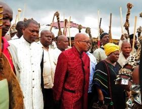 Zuma, Nelson Mandelayı ziyaret etti