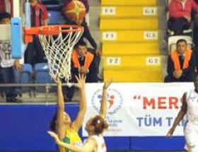 Mersin B. Belediyespor 57-73 İstanbul Üniversitesi