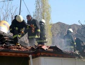 Mültecilerin kaldığı evde yangın