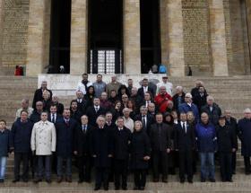 TSYD, Anıtkabiri ziyaret etti