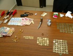 Koleksiyoncu hırsızlar yakalandı
