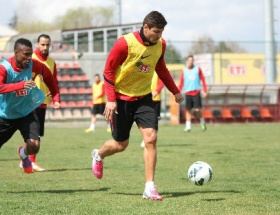 Diego 4 yıl daha Eskişehirsporda