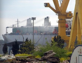 Tuzlada gemi yangını
