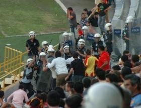 İzmirde 3 taraftar gözaltına alındı