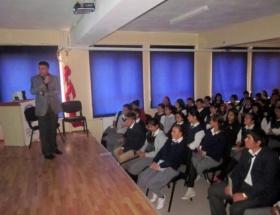 Çocuklara güvenli internet kullanımı anlatıldı