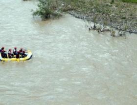 Zap Suyunda rafting keyfi