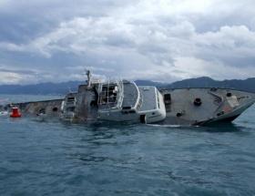 Taylandda yolcu gemisi battı: 6 ölü