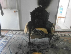 Oturduğu koltukta yanarak öldü