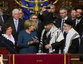 Avrupa Yahudilerinden Merkele ödül