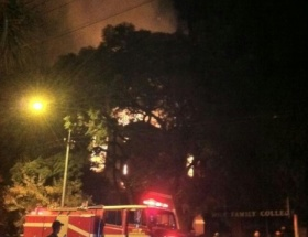 Johannesburgda tarihi kilise yandı